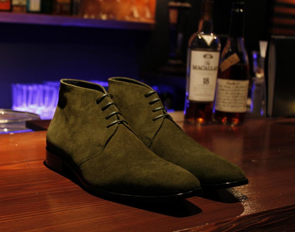 104S-Chukka boots